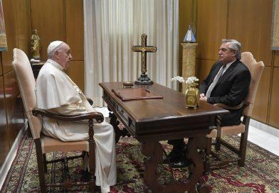 El Presidente Alberto Fernández,  fue recibido por el papa Francisco en el Vaticano